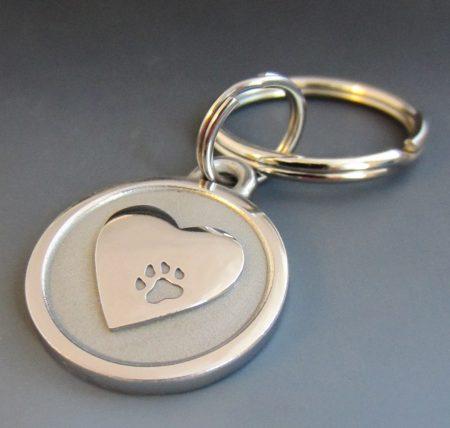 small stainless steel pet memorium heart keychain